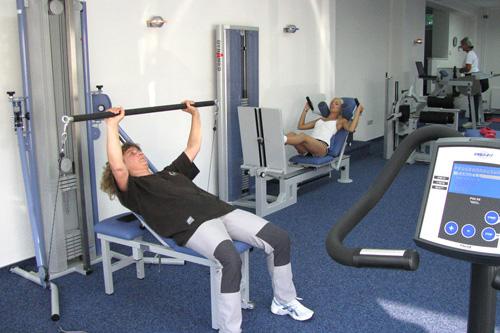 Medizinisches Gerätetraining in der Physiotherapie Praxis Stötzel + Meier in Kreuztal